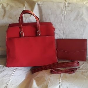 Handbags - NEW Gorgeous 2 piece Handbag and clutch